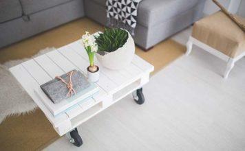 Stoliki do salonu w stylu skandynawskim. Jak wybrać nowoczesną ławę?